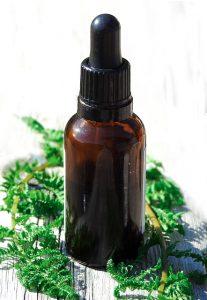 Naturalne olejki i kremy muszą nawilżać i oczyszczać cerę.