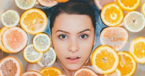 Jakie zabiegi pomagają zwalczyć wypryski na twarzy?